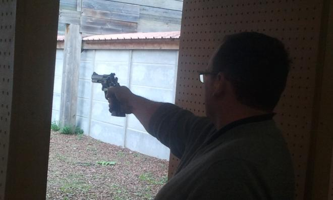 Bruno au revolver