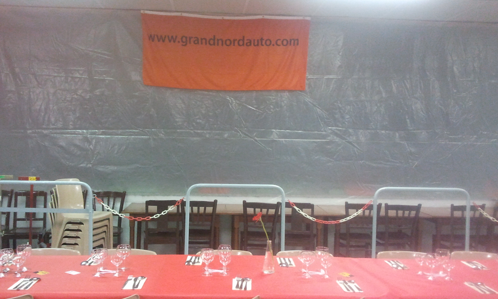 Tables et affiche grand nord auto